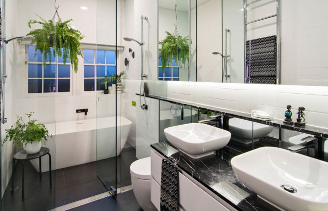 stunning-black-white-bathroom-reno-kcreative-interiors-bondi
